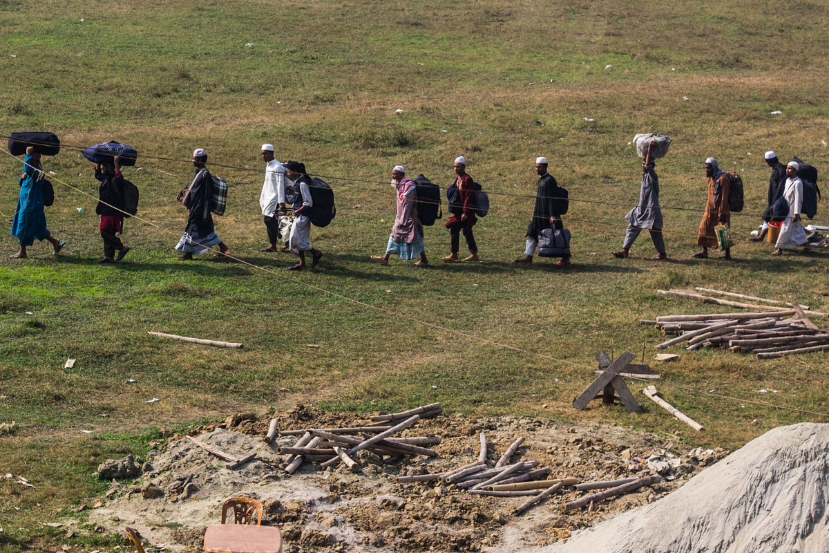 বৌদ্ধ সন্ত্রাসী হামলায় নিহত সহস্র নিরীহ মুসলিম দেশ ছেড়েছেন দশ লক্ষ সাধারণ মুসলিম